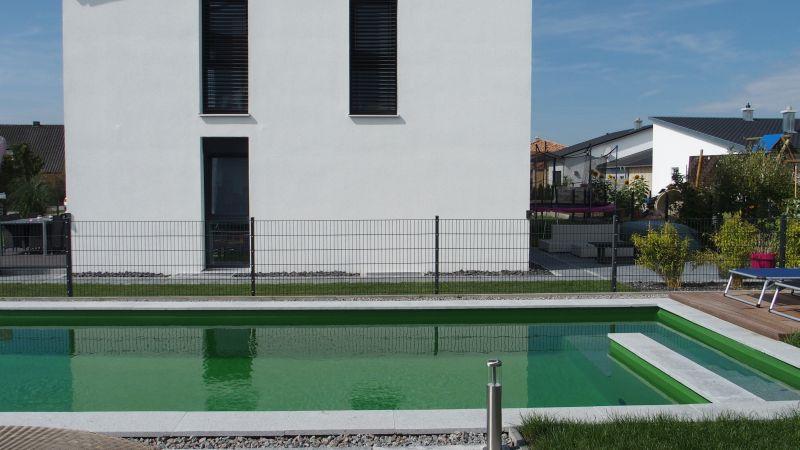 Schwimmteichabsicherung durch Zaun