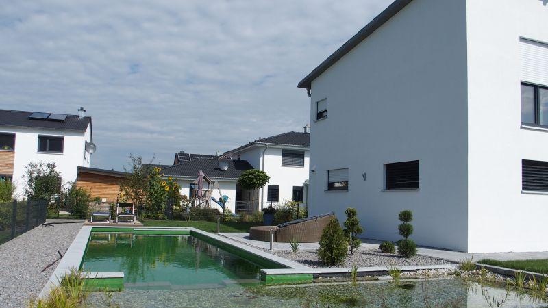 Haus, Garten Teich