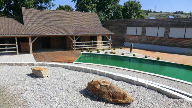 Eine runde Sache: Schwimmteich in Schönhofen